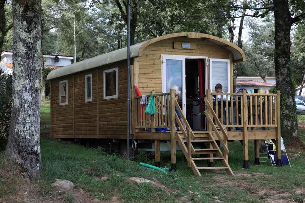 Locatifs mobilhomes bungalow camping dordogne ch teau le verdoyer - Veranda pour roulotte ...