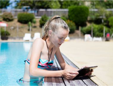 Yes, even Wi-Fi access in the pool ...