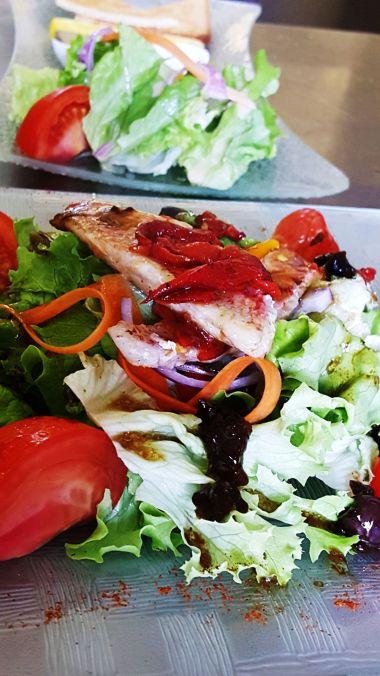 Rode Poon & Piquillos salade