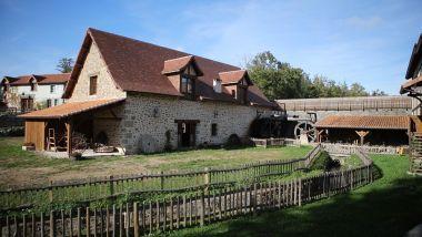 Mes van Nontron Périgord oude ambachten watermolen