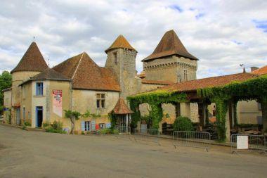 Château de Varaignes musée Charentaise tisserand