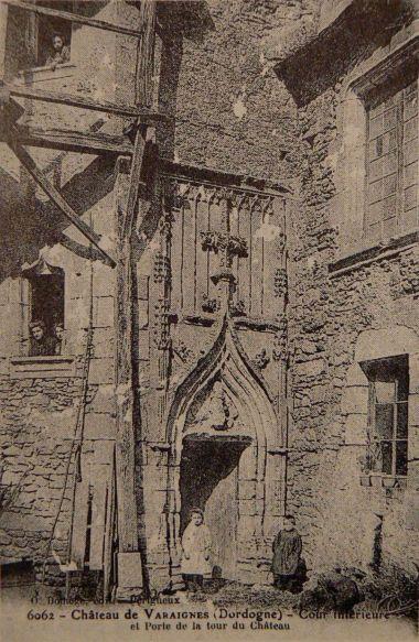 Château de Varaignes musée Charentaise tisserand Porte au château