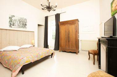 Chambre 12 : 1er étage et douche