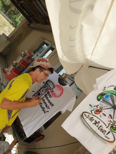 Denis et les T-shirts personnalisés