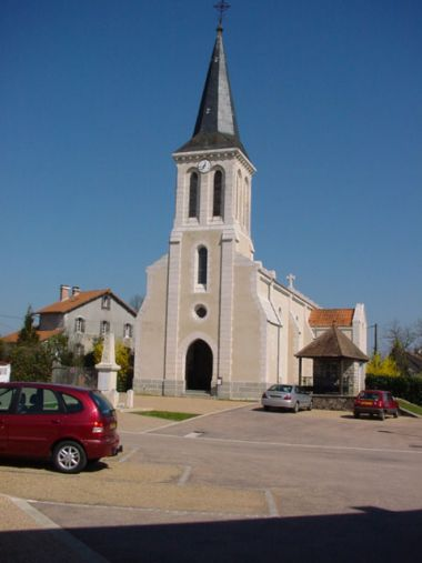 Eglise de Champs Romain