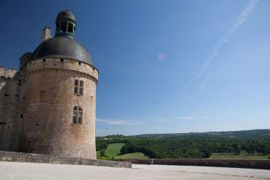 Château avec vue sur les vallées du Périgord Vert