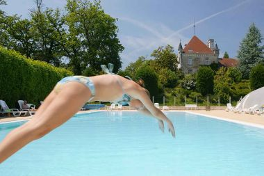 Zwembad en kasteel