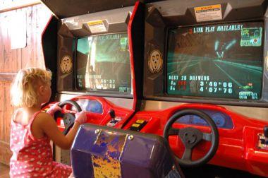 En voiture... en salle de jeux