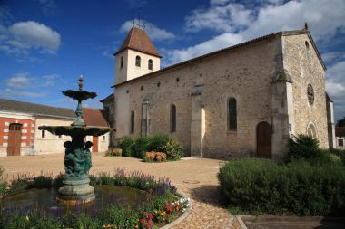 Kerk: Eglise de Saint-Pardoux-la-Rivière