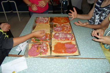 Kids Cantine: make your own pizza, eat your own pizza!