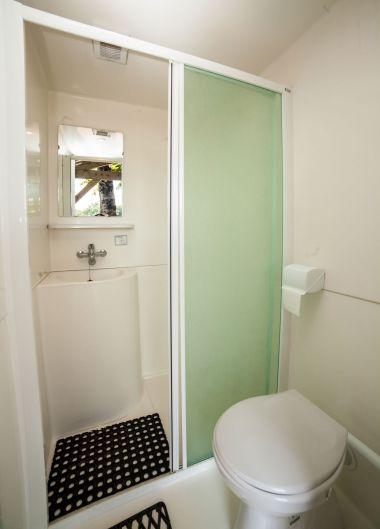 Privé douche en toilet Verdoyer