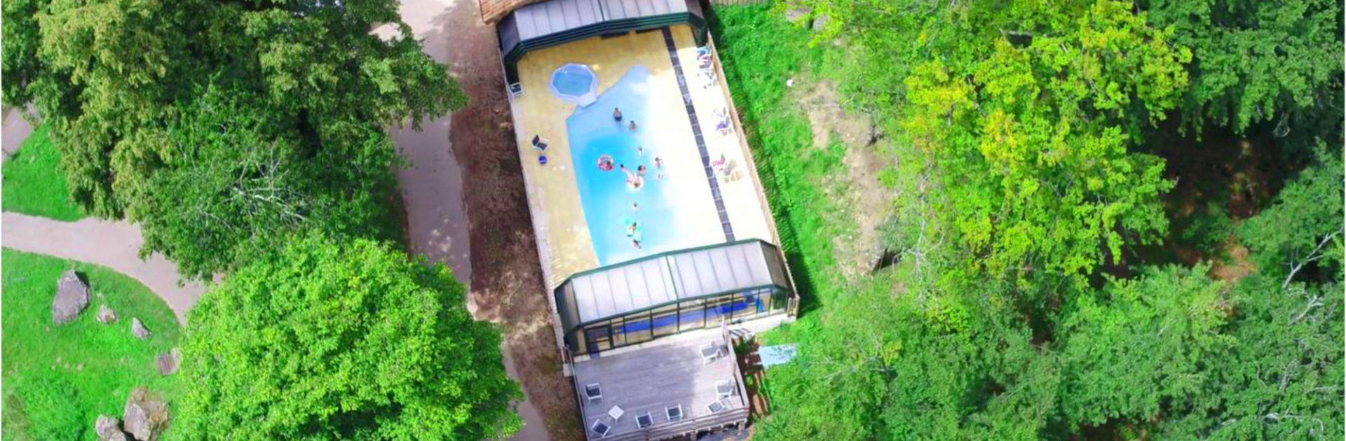 Overdekt zwembad Château le Verdoyer