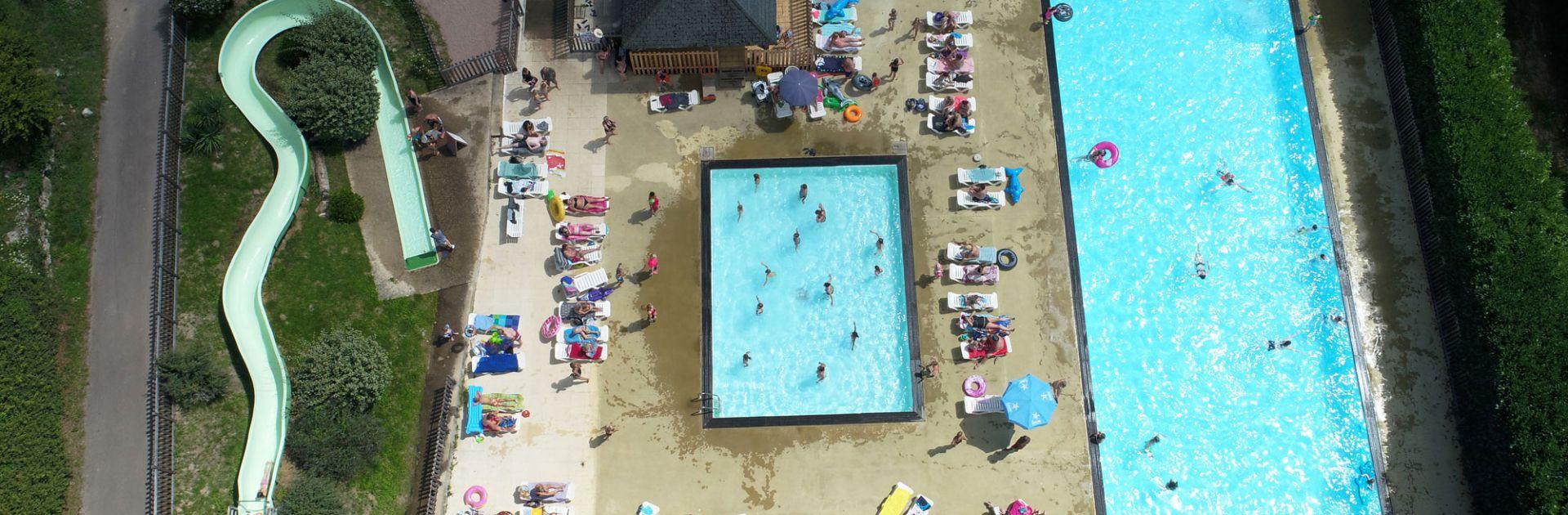 Zwembad waterglijbaan