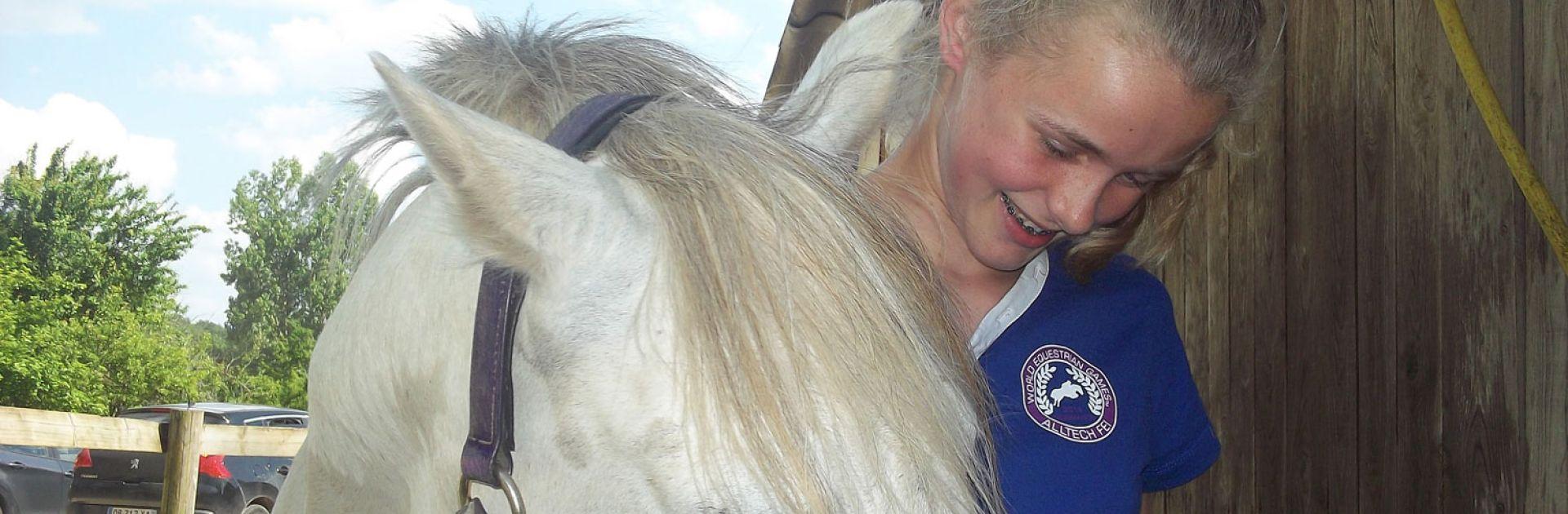 Paard rijden poney Milhac de Nontron Dordogne