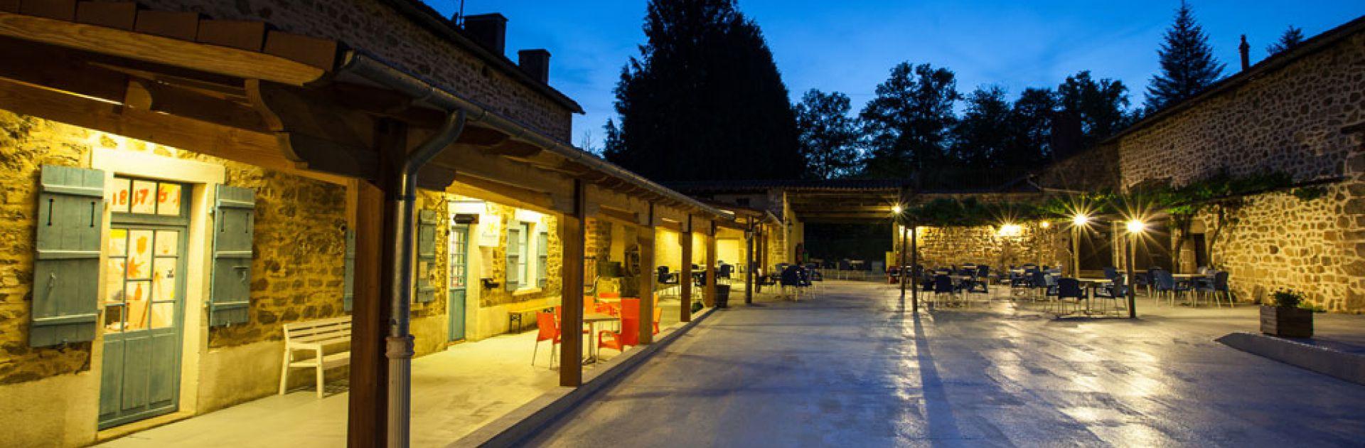 réception, Bar, Restaurant, Shop etc... camping Dordogne